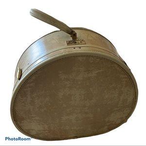 Samsonite hat box Vtg Round suit Train case